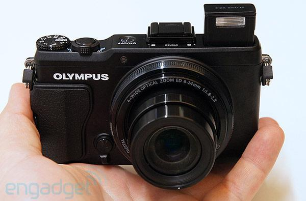 Olympus Stylus XZ-2 is a digital compact stuck in a mirrorless camera's body, we go hands-on
