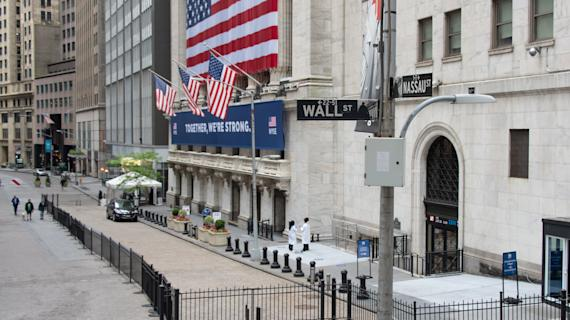 Stock futures edge lower, giving back some gains