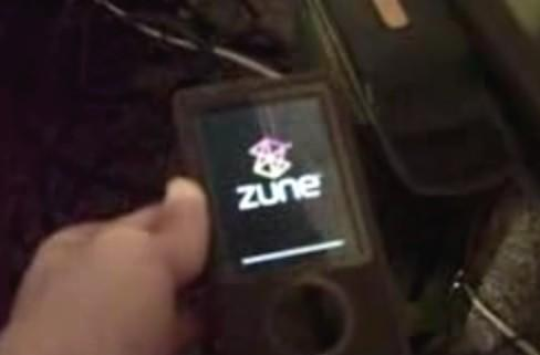 30GB Zunes mysteriously begin to fail at 12AM, December 31st -- day of reckoning to follow