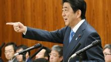 Japan's Abe agrees to keep close contact with U.S. on North Korea