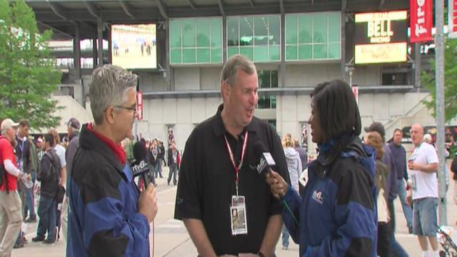 Indianapolis Mayor Greg Ballard makes IMS appearance