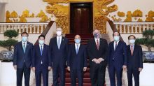 Pompeo wraps up Asia tour in Vietnam following prisoner release