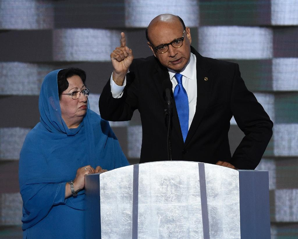 Khizr Khan addresses delegates on the fourth and final day of the Democratic National Convention at Wells Fargo Center on July 28, 2016 in Philadelphia, Pennsylvania (AFP Photo/Saul Loeb)
