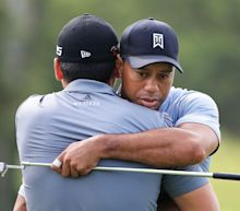Jason Day gets off to poor Travelers start after ignoring Tiger Woods' offer of help