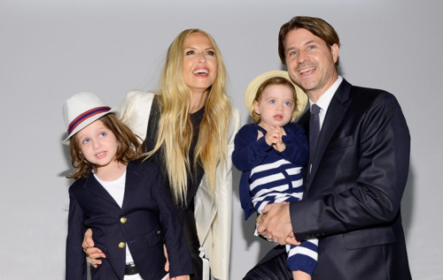 Rachel Zoe and husband Rodger Berman joined by their two sons. (Photo: Getty Images)