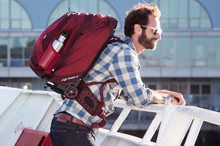 Save 120 On The Osprey Ozone Convertible Wheeled Luggage Backpack Hybrid On Amazon
