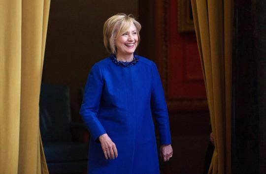 Blue dress hillary xlintob