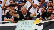 Vasco tem torcida, mas falta estrutura e técnico