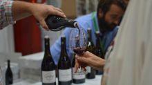 """""""Délaissés par les pouvoirs publics"""", les producteurs de vins AOC du Sud-Est en appellent à Emmanuel Macron"""