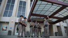 Cidade na Flórida reforça segurança para receber supremacista branco