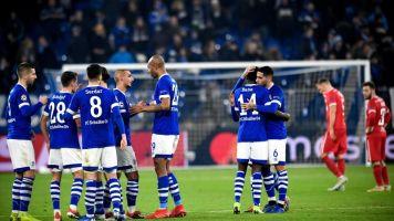 1-0. Schöpf le da un triunfo agónico al Schalke en un duelo con poco fútbol