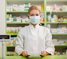 Better Coronavirus Stock: CVS Health or Walgreens?