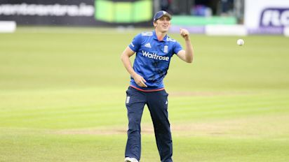 England all-rounder Ansari quits cricket at 25