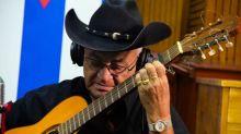 """Eliades Ochoa, el """"johny cash"""" cubano,""""resiste"""" gracias a su origen campesino"""