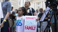 Mexico condemns 'inhuman' US separation of migrant families