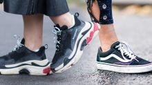 白波鞋都過氣了!姐比你走得前改穿小黑鞋