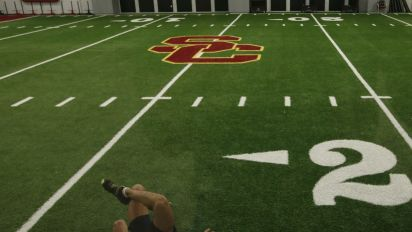 Report: Homeless man sneaks into USC practice