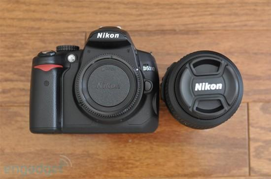 Nikon's D5000 gets reviewed in staggering detail