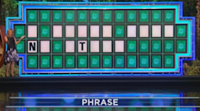 'Wheel of Fortune' contestant shockingly solves puzzle with only 2 letters revealed