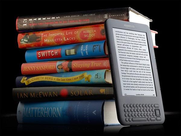 Amazon sees e-book sales surpassing paper versions, has Mirasol technology in the Kindle labs