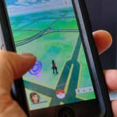 2 Teens Inadvertently Walk Across US-Canada Border While Playing Pokemon Go
