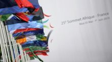 Cumbre en Francia para sacar a África de la crisis de financiación