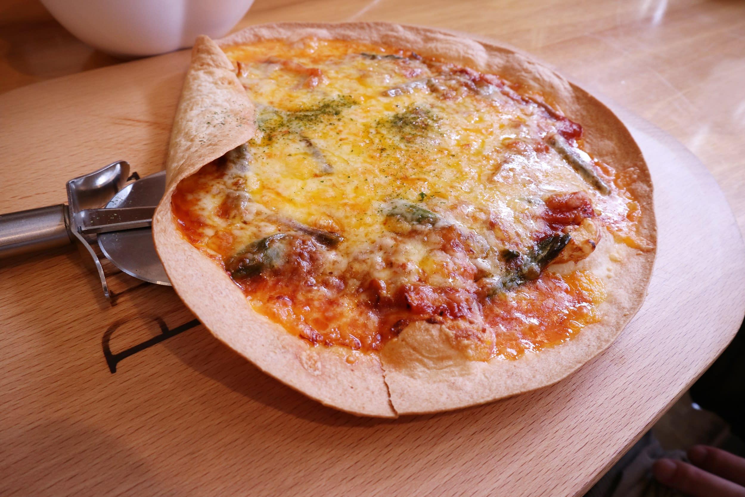 鹿肉番茄起司比薩