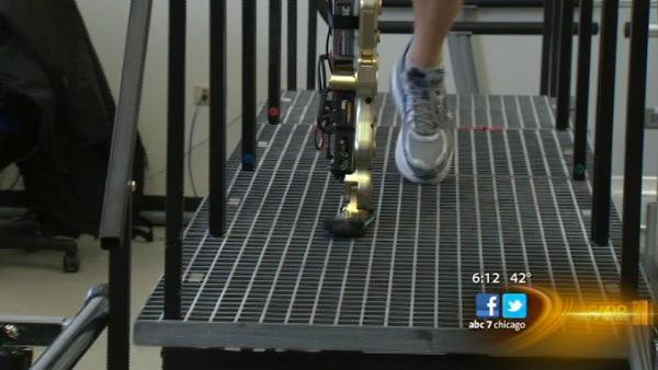 Man with bionic leg to climb Willis Tower stairs