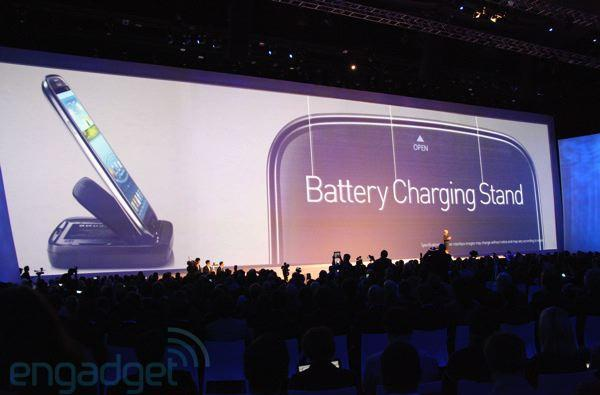 Samsung unveils Galaxy S III accessories: wireless charger, S-pebble MP3, AllCast wireless dongle in tow