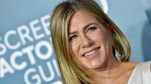 Jennifer Aniston urges fans to wear masks as she shares photo of hospitalised friend
