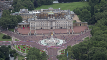 Chinese student caught with knife at Buckingham Palace was on 'mission to kill the Queen'
