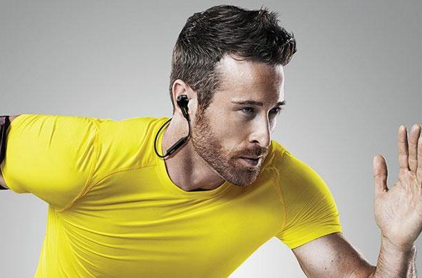 Jabra's pulse-tracking earbuds tout Bluetooth for fewer tangles