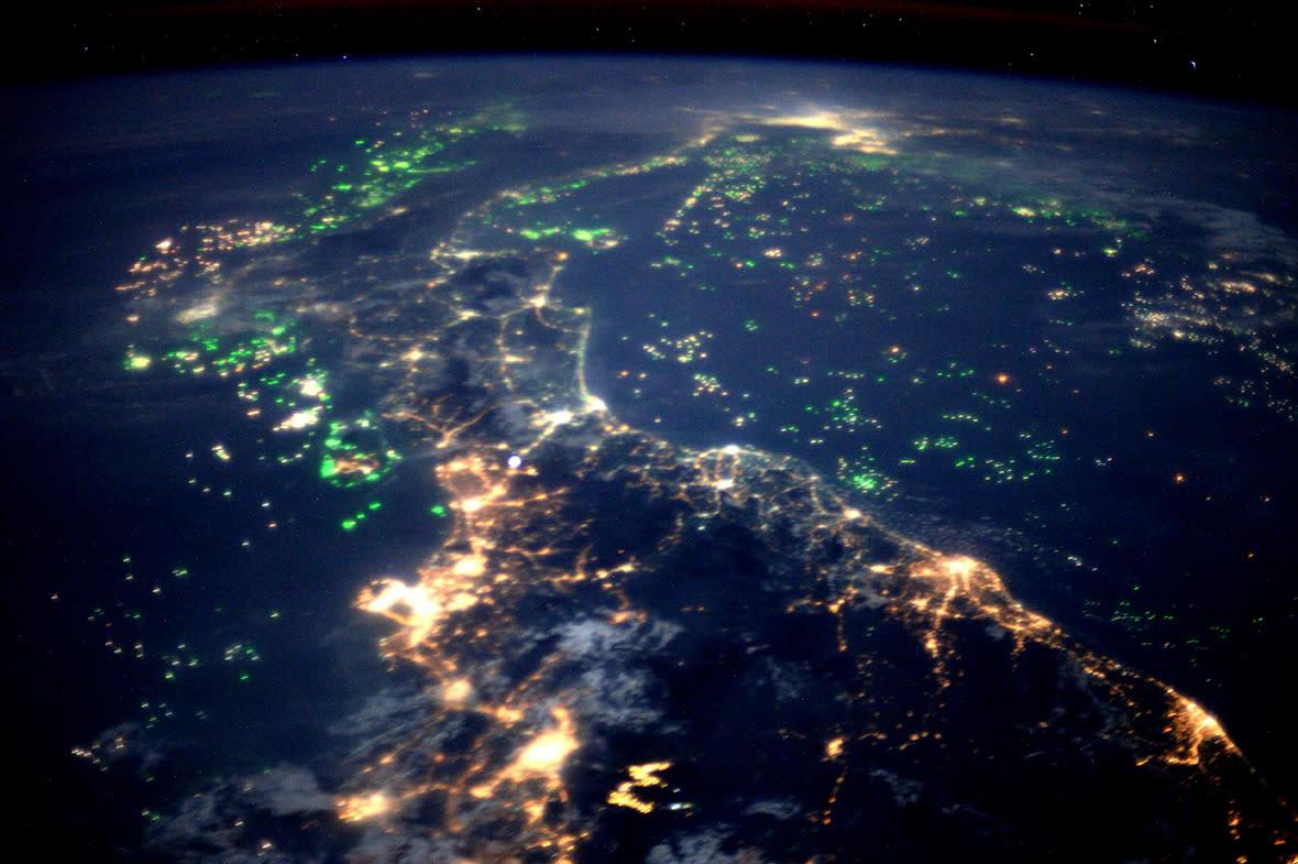 этого получаем планета земля из космоса ночью фото меня