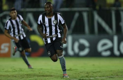 'Castigo fez Sassá aprender que deve ter disciplina para seguir no Botafogo'