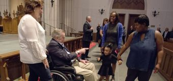 Bush greets mourners paying respects to his wife