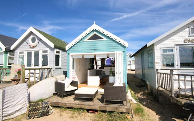 No loo, no privacy, no security ... Even the estate agent says you'd have to be bonkers - Denisons