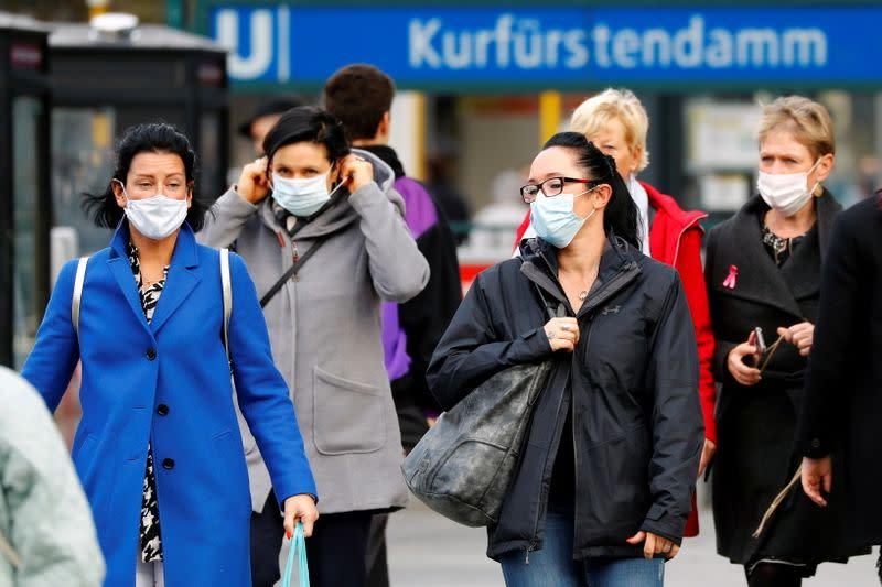 Merkel plans 'lockdown light' to slow infection wave in Germany - Bild