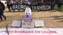 Notre-Dame-des-Landes : venus déposer un cercueil devant l'Élysée, des militants pro-aéroport bloqués à l'entrée de Paris