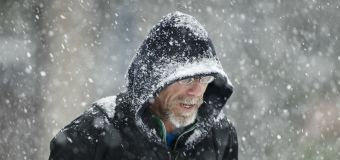 7 dead, commuter chaos in East Coast snowstorm