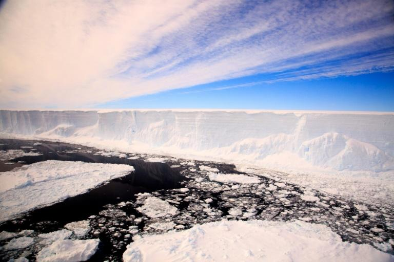 Antarctica ice shelves at new risk of collapse