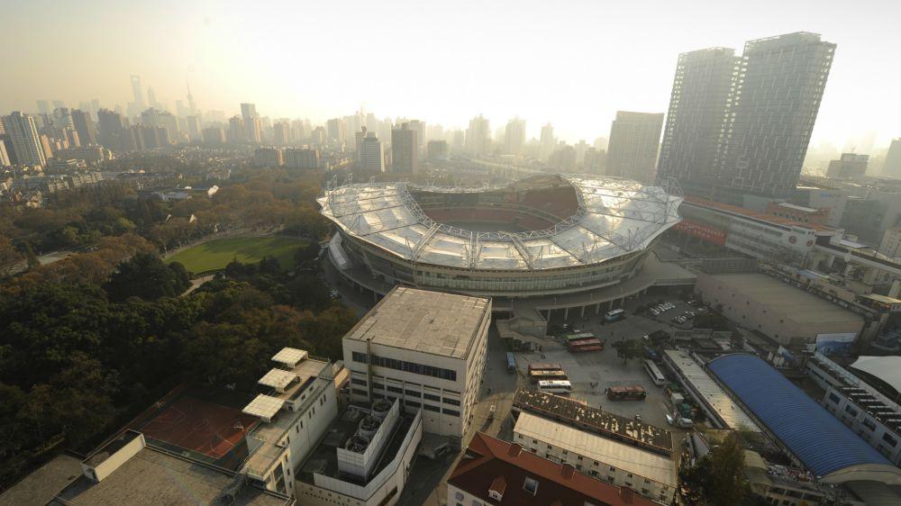 Cina, prende fuoco lo stadio dello Shanghai Shenhua