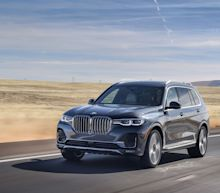 View Photos of the 2019 BMW X7