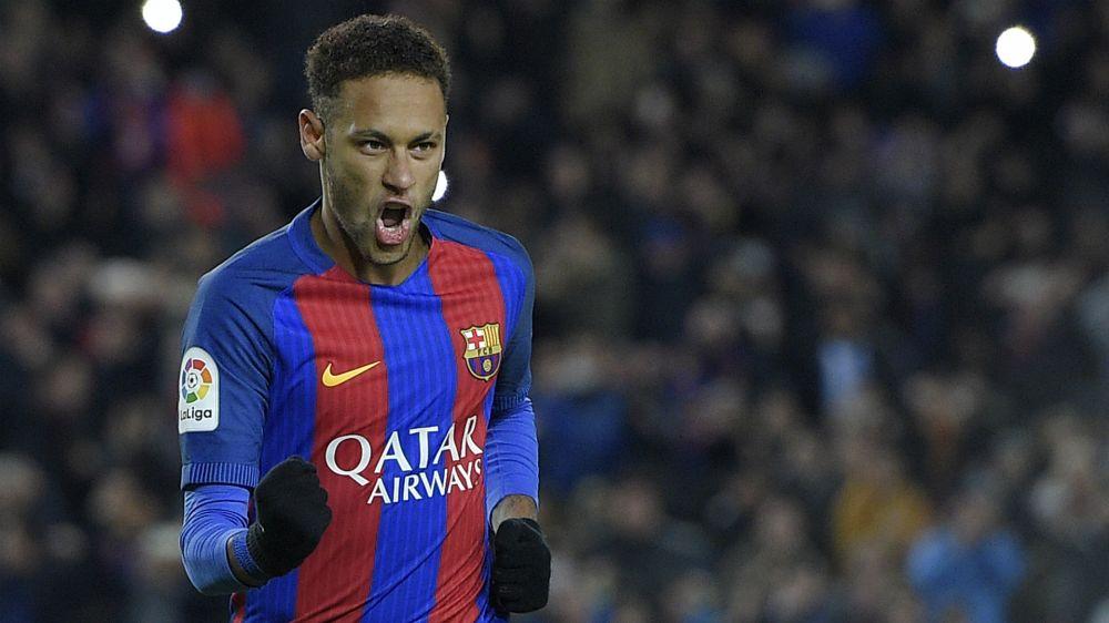 """Pogba exalta Neymar: """"é o cara e faz você gostar de futebol, parece que dança no campo"""""""