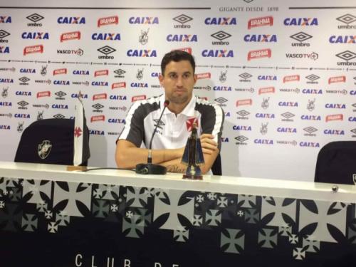 Martin 'esquece' seleção e só pensa no Vasco: '100% de concentração aqui'