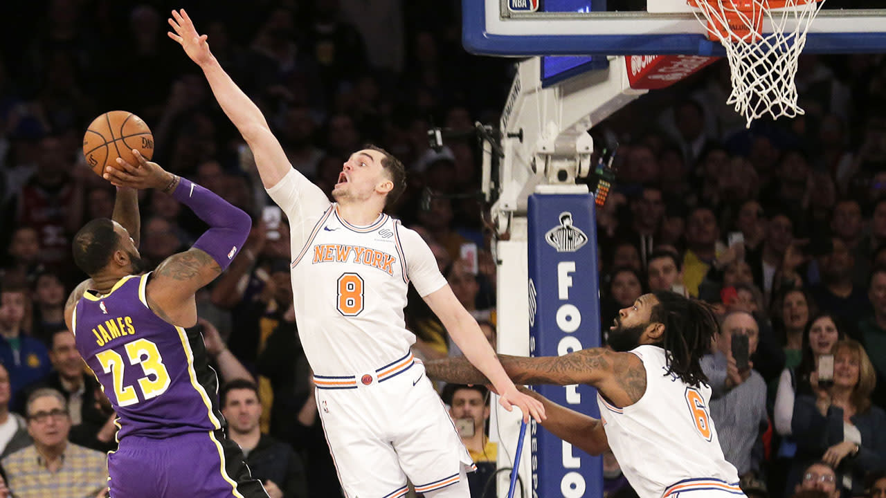 4711e1dd6ff LeBron James and the Lakers hit  new low  after loss to Knicks