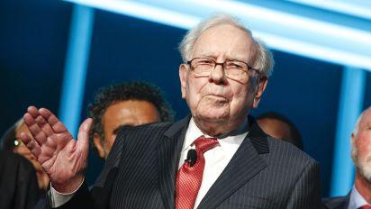 Warren Buffett is still learning new investing lessons