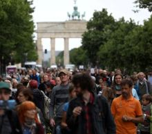 German government, regions tussle over reopening from lockdowns