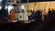 Itália autoriza desembarque de 27 crianças de navio humanitário