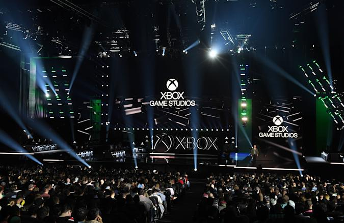 The crowd and stage for Microsoft Xbox at their press event ahead of the E3 gaming convention in Los Angeles on June 9, 2019. (Photo by Mark RALSTON / AFP)        (Photo credit should read MARK RALSTON/AFP via Getty Images)