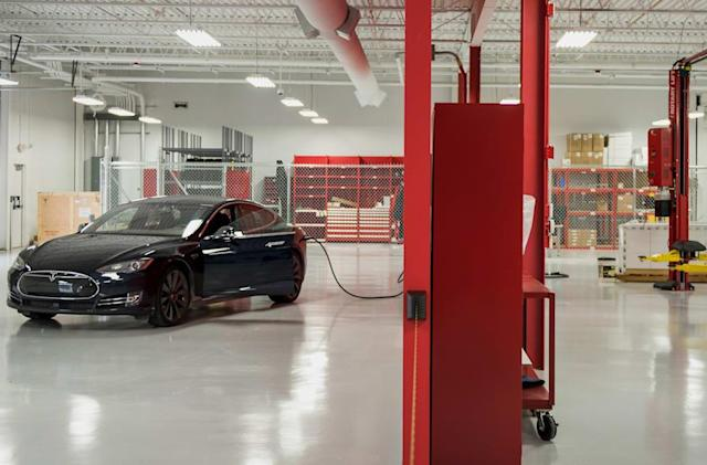 Consumer Reports drops its Tesla Model S recommendation